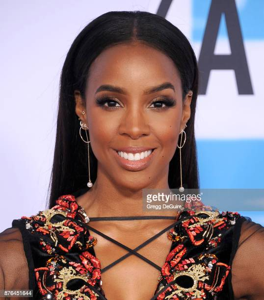Kelly Rowland arrives at the 2017 American Music Awards at Microsoft Theater on November 19 2017 in Los Angeles California