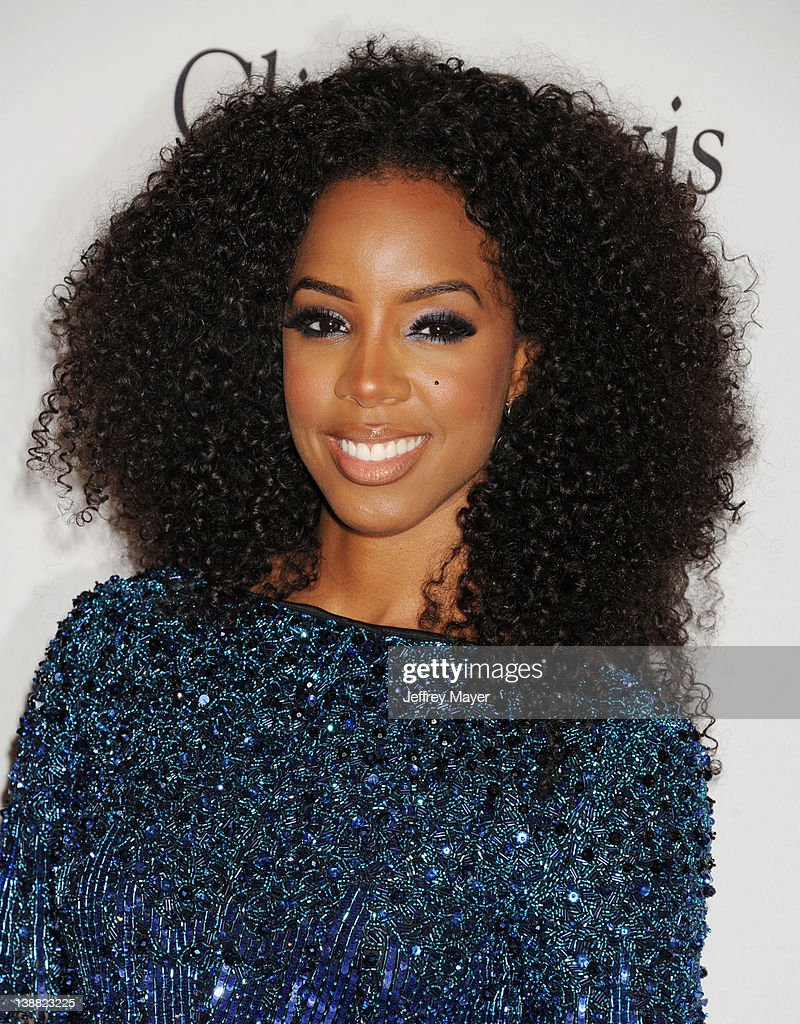 <a gi-track='captionPersonalityLinkClicked' href=/galleries/search?phrase=Kelly+Rowland&family=editorial&specificpeople=201760 ng-click='$event.stopPropagation()'>Kelly Rowland</a> arrives at the Clive Davis and The Recording Academy's 2012 Pre-GRAMMY Gala and Salute to Industry Icons Honoring Richard Branson at The Beverly Hilton hotel on February 11, 2012 in Beverly Hills, California.
