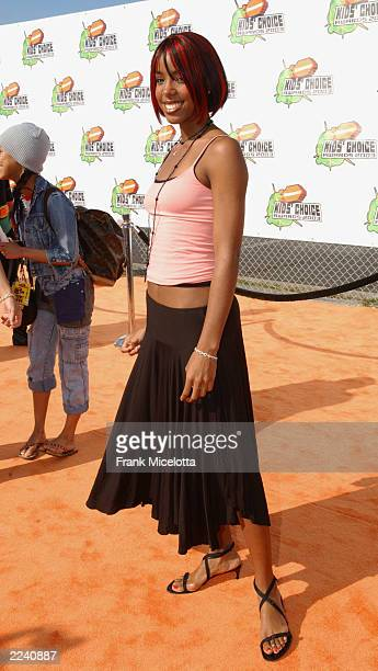 Kelly Rowland attends Nickelodeon's 16th Annual Kid's Choice Awards at the Barker Hangar April 12 2003 in Santa Monica California