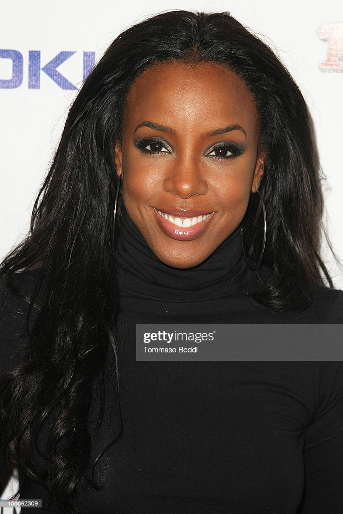 <a gi-track='captionPersonalityLinkClicked' href=/galleries/search?phrase=Kelly+Rowland&family=editorial&specificpeople=201760 ng-click='$event.stopPropagation()'>Kelly Rowland</a> attends the Rolling Stone after party for the 2012 American Music Awards presented by Nokia and Rdio held at the Rolling Stone Restaurant And Lounge on November 18, 2012 in Los Angeles, California.