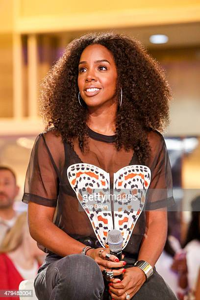 Kelly Rowland attends the Samsung Galaxy Experience at the 2015 ESSENCE Festival on July 4 2015 in New Orleans Louisiana