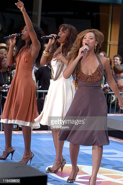 Kelly Rowland Michelle Wiliams and Beyonce Knowles of Destiny's Child