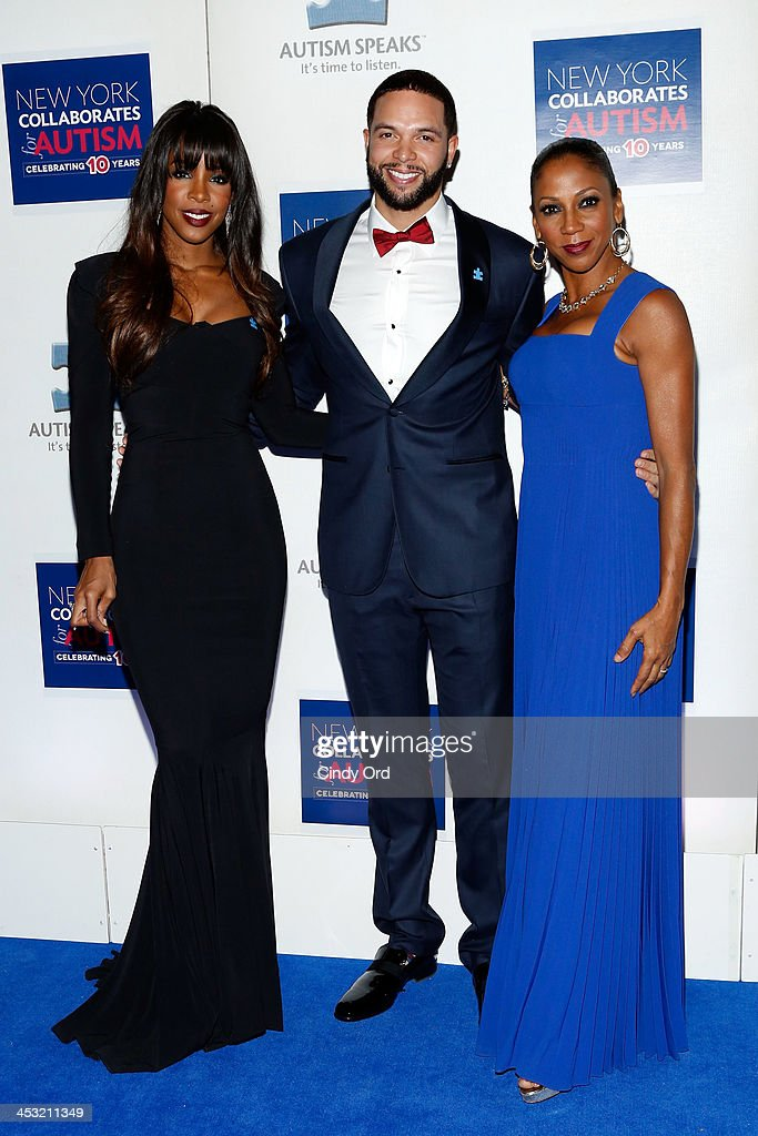 <a gi-track='captionPersonalityLinkClicked' href=/galleries/search?phrase=Kelly+Rowland&family=editorial&specificpeople=201760 ng-click='$event.stopPropagation()'>Kelly Rowland</a>, NBA player <a gi-track='captionPersonalityLinkClicked' href=/galleries/search?phrase=Deron+Williams&family=editorial&specificpeople=203215 ng-click='$event.stopPropagation()'>Deron Williams</a> and Actress <a gi-track='captionPersonalityLinkClicked' href=/galleries/search?phrase=Holly+Robinson+Peete&family=editorial&specificpeople=213716 ng-click='$event.stopPropagation()'>Holly Robinson Peete</a> attend the Winter Ball for Autism at Metropolitan Museum of Art on December 2, 2013 in New York City.