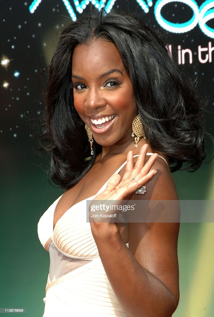 Kelly Rowland of Destiny's Child during 2006 BET Awards - Arrivals at The Shrine in Los Angeles, California, United States.
