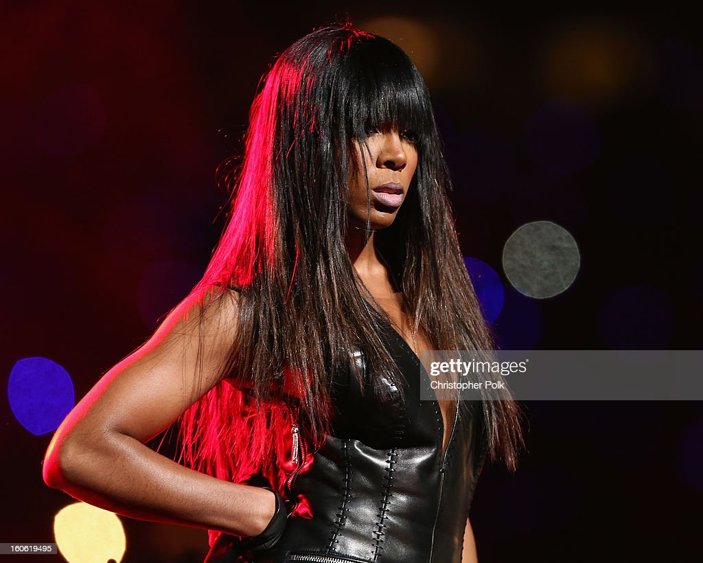 Kelly Rowland of Destiny's Child perform during the Pepsi Super Bowl XLVII Halftime Show at Mercedes-Benz Superdome on February 3, 2013 in New Orleans, Louisiana.