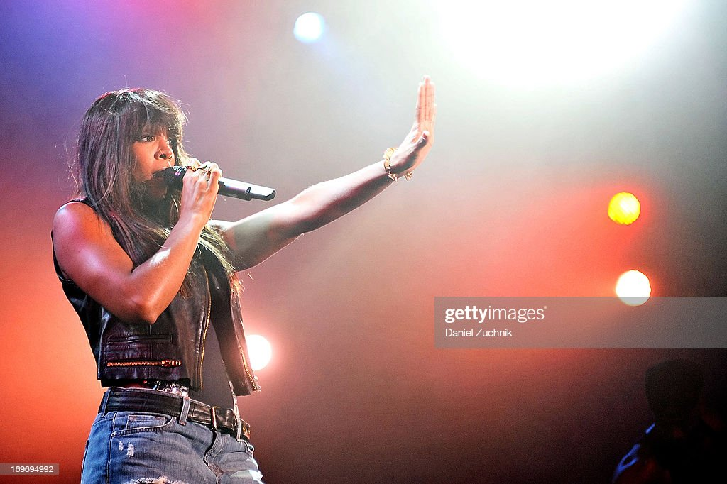 <a gi-track='captionPersonalityLinkClicked' href=/galleries/search?phrase=Kelly+Rowland&family=editorial&specificpeople=201760 ng-click='$event.stopPropagation()'>Kelly Rowland</a> performs during the <a gi-track='captionPersonalityLinkClicked' href=/galleries/search?phrase=Kelly+Rowland&family=editorial&specificpeople=201760 ng-click='$event.stopPropagation()'>Kelly Rowland</a> and The Dream 'Lights Out' tour at the Best Buy Theater on May 30, 2013 in New York City.