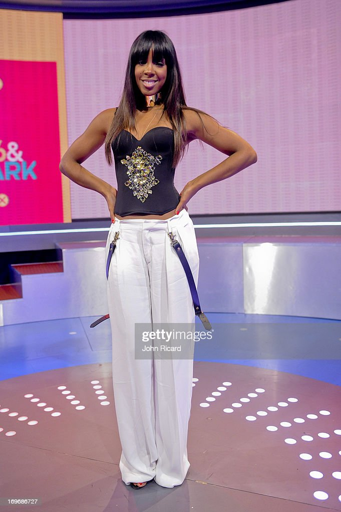 <a gi-track='captionPersonalityLinkClicked' href=/galleries/search?phrase=Kelly+Rowland&family=editorial&specificpeople=201760 ng-click='$event.stopPropagation()'>Kelly Rowland</a> visits BET's '106 & Park' at BET Studios on May 30, 2013 in New York City.