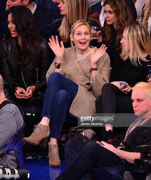 Kelly Rutherford attends the Los Angeles Clippers vs New York Knicks game at Madison Square Garden on January 17 2014 in New York City