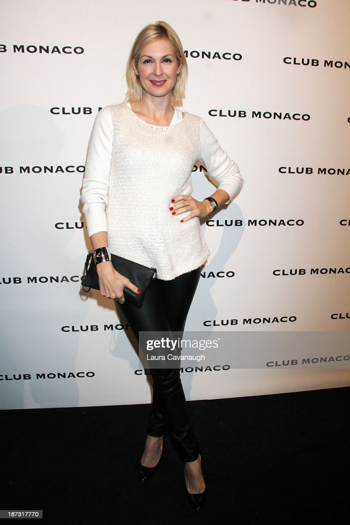<a gi-track='captionPersonalityLinkClicked' href=/galleries/search?phrase=Kelly+Rutherford&family=editorial&specificpeople=217987 ng-click='$event.stopPropagation()'>Kelly Rutherford</a> attends the opening celebration of Club Monoco's Fifth Avenue Flagship at Club Monaco Fifth Avenue on November 7, 2013 in New York City.
