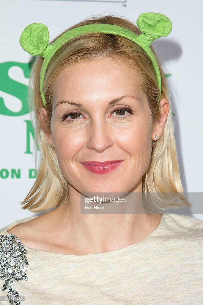 <a gi-track='captionPersonalityLinkClicked' href=/galleries/search?phrase=Kelly+Rutherford&family=editorial&specificpeople=217987 ng-click='$event.stopPropagation()'>Kelly Rutherford</a> attends the release party for 'Shrek: The Musical' Blue-Ray and DVD on October 15, 2013 in New York, United States.