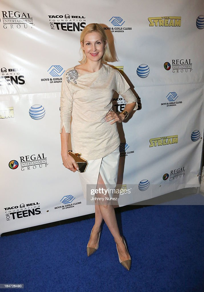 Kelly Rutherford attends 'The Stream' Premiere at Regal Union Square Theatre, Stadium 14 on October 15, 2013 in New York City.