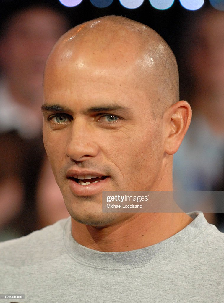 "Kelly Slater and Seth Green Visit MTV's ""TRL"" - March 24, 2006"