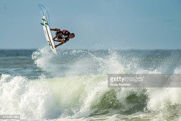 Kelly Slater of the United States of America surfs during his Round 3 heat at the Oi Rio Pro on May 15 2015 in Rio de Janeiro Brazil > on May 15 2015...
