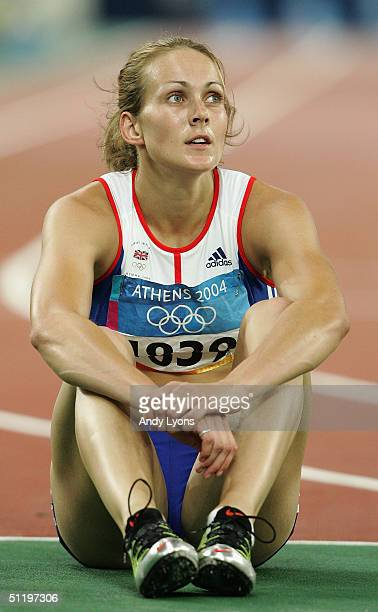 Kelly Sotherton of Great Britain competes in the 200 metre hurdle discipline of the women's heptathlon on August 20 2004 during the Athens 2004...