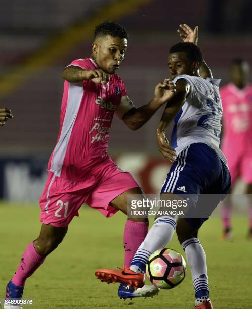 Kellyn Acosta of US Dallas vies for the ball with Amilcar Henriquez of Arabe Unido during the second leg quarterfinal of the CONCACAF Champions...