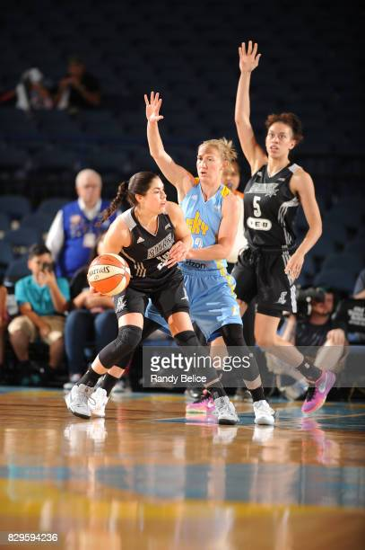 Kelsey Plum of the San Antonio Stars handles the ball against Courtney Vandersloot of the Chicago Sky on August 10 2017 at the Allstate Arena in...