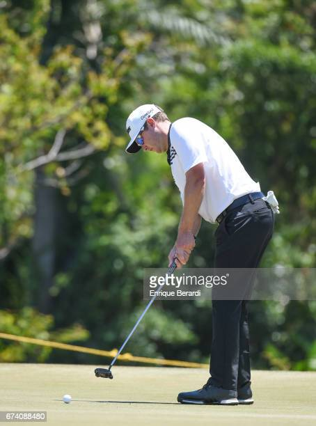 Kelvin Day of England putts on the 17th green during the second round of the PGA TOUR Latinoamérica Honduras Open presented by Indura Golf Resort at...