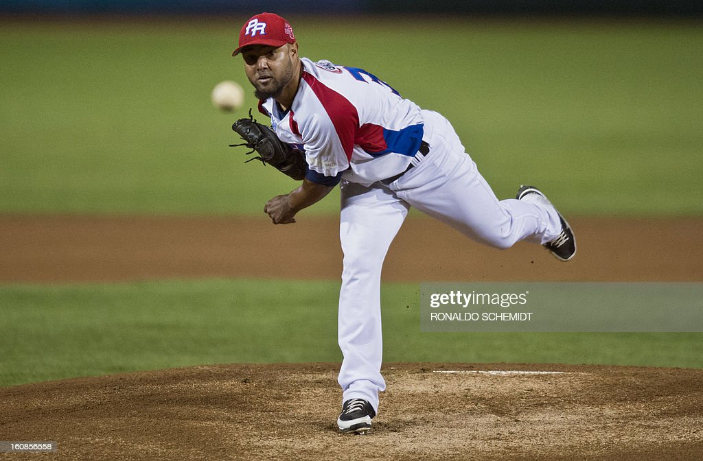 Kelvin Villa of Criollos de Caguas of Puerto Rico pitches against Yaquis de Obregon of Mexico during the 2013 Caribbean baseball series on February 6, 2013 in Hermosillo in the northern Mexican state of Sonora. The Mexican team won 10-0. AFP PHOTO/Ronaldo Schemidt