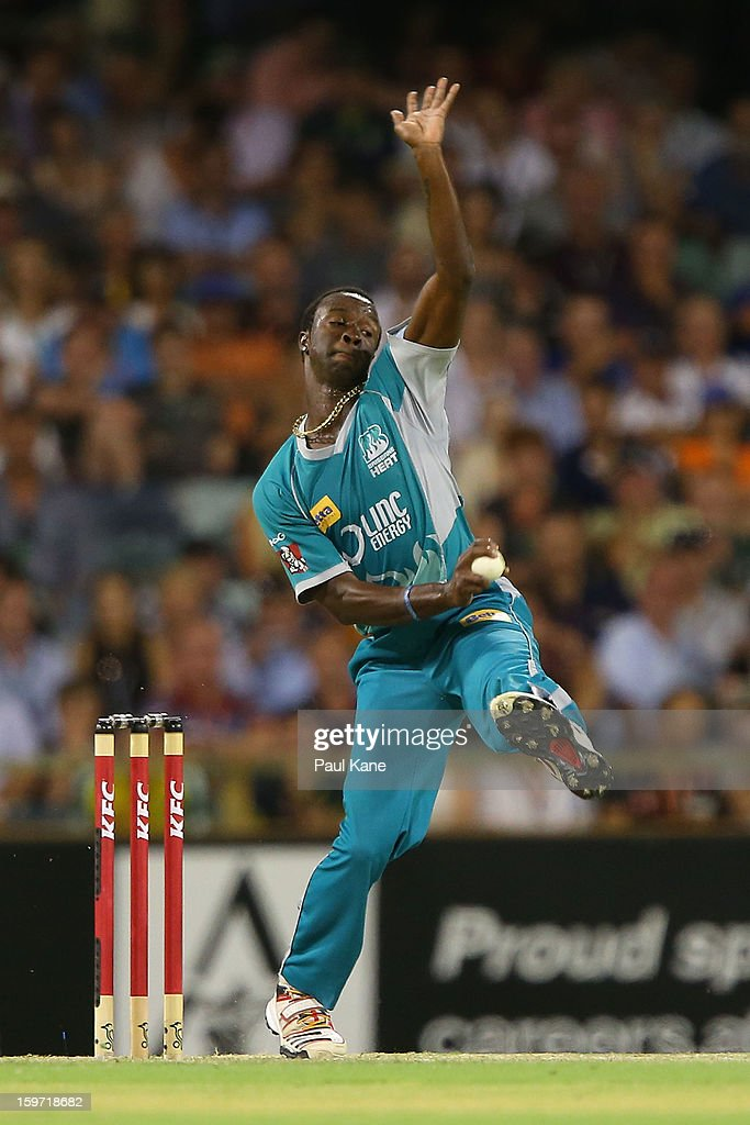 <a gi-track='captionPersonalityLinkClicked' href=/galleries/search?phrase=Kemar+Roach&family=editorial&specificpeople=5408487 ng-click='$event.stopPropagation()'>Kemar Roach</a> of the Heat bowls during the Big Bash League final match between the Perth Scorchers and the Brisbane Heat at the WACA on January 19, 2013 in Perth, Australia.