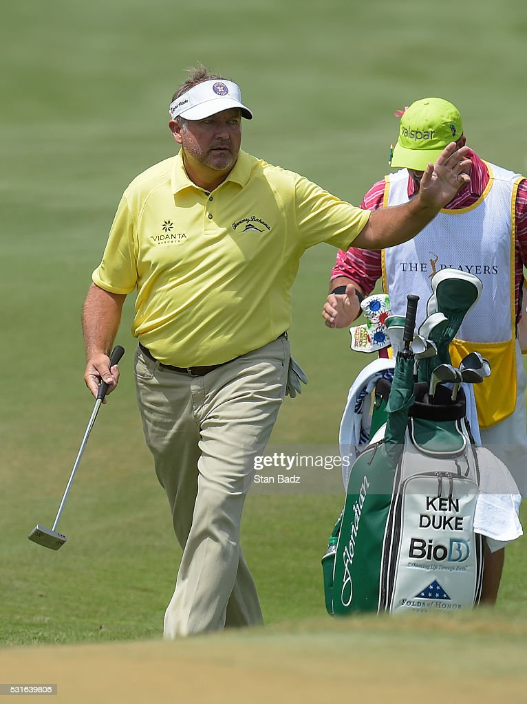 <a gi-track='captionPersonalityLinkClicked' href=/galleries/search?phrase=Ken+Duke&family=editorial&specificpeople=2551619 ng-click='$event.stopPropagation()'>Ken Duke</a> reacts after chipping on to the third green during the final round of THE PLAYERS Championship on THE PLAYERS Stadium Course at TPC Sawgrass on May 15, 2016.