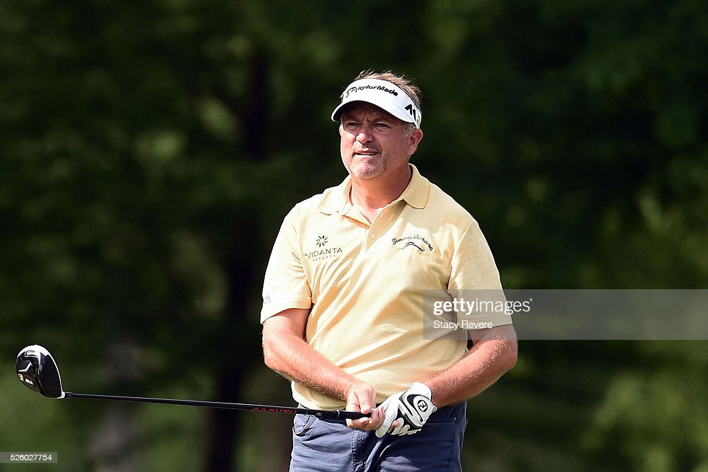 <a gi-track='captionPersonalityLinkClicked' href=/galleries/search?phrase=Ken+Duke&family=editorial&specificpeople=2551619 ng-click='$event.stopPropagation()'>Ken Duke</a> watches his tee shot on the seventh hole during a continuation of the first round of the Zurich Classic at TPC Louisiana on April 29, 2016 in Avondale, Louisiana.