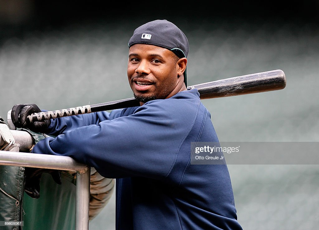 <a gi-track='captionPersonalityLinkClicked' href=/galleries/search?phrase=Ken+Griffey+Jr.&family=editorial&specificpeople=171573 ng-click='$event.stopPropagation()'>Ken Griffey Jr.</a> #24 waits to hit during batting practice prior to the game against the New York Yankees on August 14, 2009 at Safeco Field in Seattle, Washington.