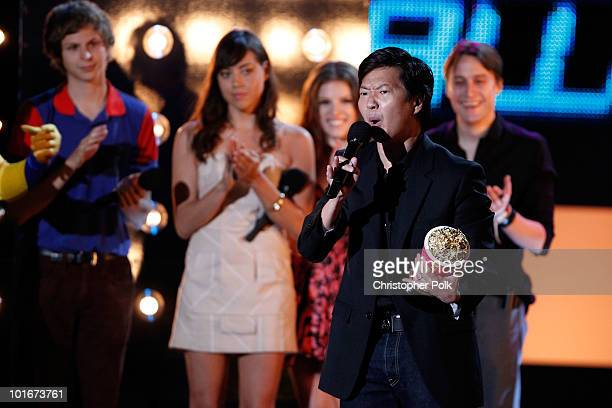 Ken Jeong accepts the WTF award from Michael Cera Aubrey Plaza Anna Kendrick and Kieran Culkin onstage at the 2010 MTV Movie Awards held at the...