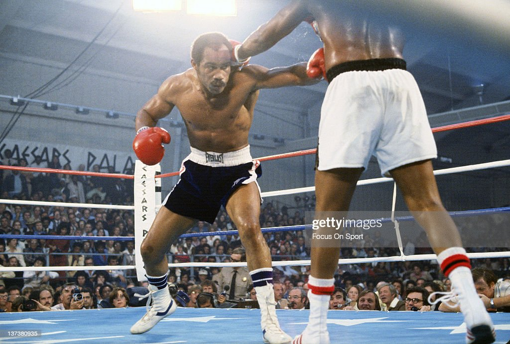 Ken Norton, left, fights Jimmy Young, right, in an Eliminator WBC heavyweight fight November 5, 1977 at Caesar's Palace in Las Vegas, Nevada. Norton won the fight in a fifteen round split decision.