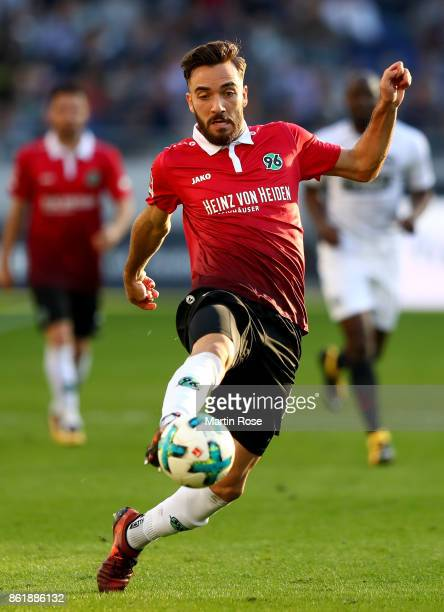 Kenan Karaman of Hannover runs with the ball during the Bundesliga match between Hannover 96 and Eintracht Frankfurt at HDIArena on October 14 2017...