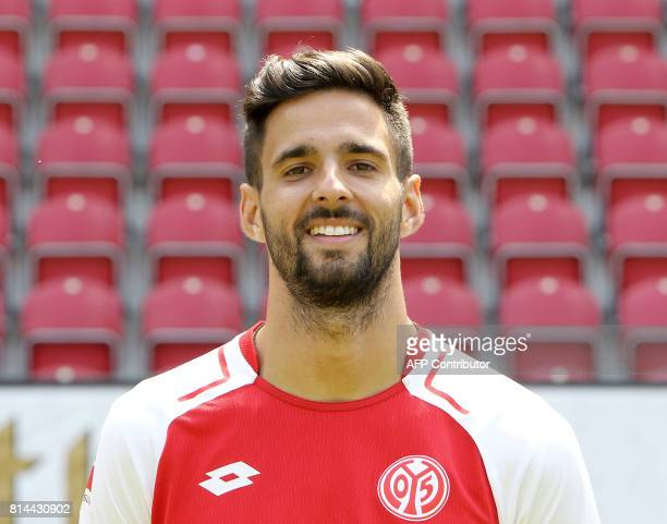 Kenan Kodro of first division Bundesliga football team FSV Mainz 05 poses for a photo in Mainz Germany on July 14 2017 / AFP PHOTO / Daniel ROLAND