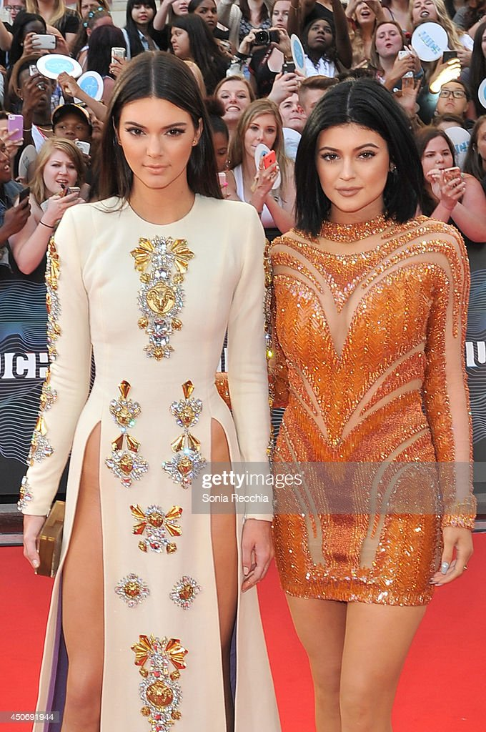 Kendall and <a gi-track='captionPersonalityLinkClicked' href=/galleries/search?phrase=Kylie+Jenner&family=editorial&specificpeople=870409 ng-click='$event.stopPropagation()'>Kylie Jenner</a> arrive at the 2014 MuchMusic Video Awards at MuchMusic HQ on June 15, 2014 in Toronto, Canada.