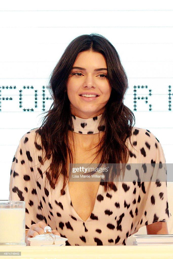 Kendall Jenner arrives at Westfield Parramatta on November 17, 2015 in Sydney, Australia.