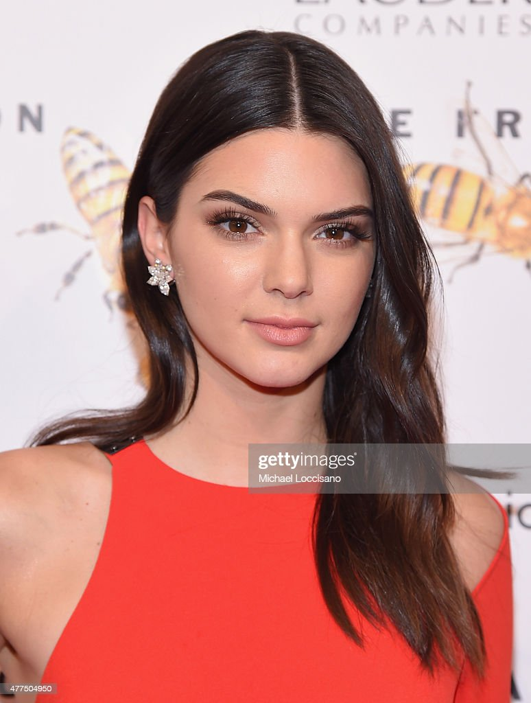 <a gi-track='captionPersonalityLinkClicked' href=/galleries/search?phrase=Kendall+Jenner&family=editorial&specificpeople=2786662 ng-click='$event.stopPropagation()'>Kendall Jenner</a> attends the 2015 Fragrance Foundation Awards at Alice Tully Hall at Lincoln Center on June 17, 2015 in New York City.