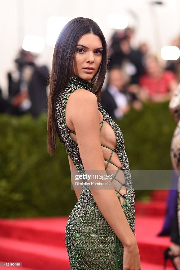<a gi-track='captionPersonalityLinkClicked' href=/galleries/search?phrase=Kendall+Jenner&family=editorial&specificpeople=2786662 ng-click='$event.stopPropagation()'>Kendall Jenner</a> attends the 'China: Through The Looking Glass' Costume Institute Benefit Gala at the Metropolitan Museum of Art on May 4, 2015 in New York City.