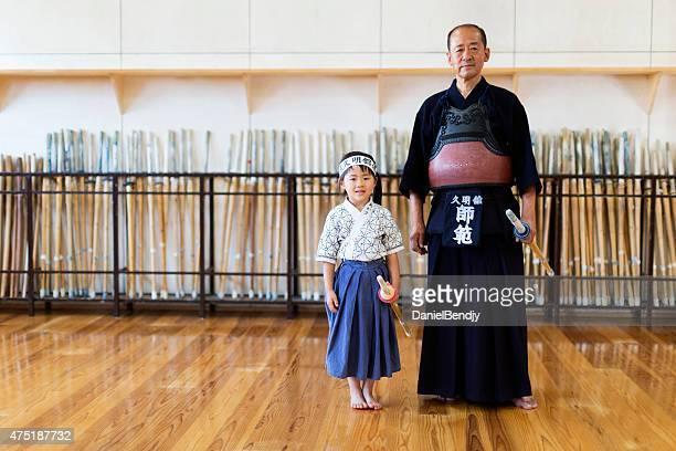 進めるべく剣道の教師&学生