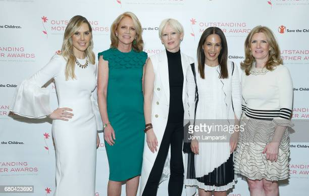 Kendra Scott Judy Schmeling Joanna Coles Jane Hertzmark Hudis and Kate Oldham attend 2017 Outstanding Mother Awards at The Pierre Hotel on May 8 2017...