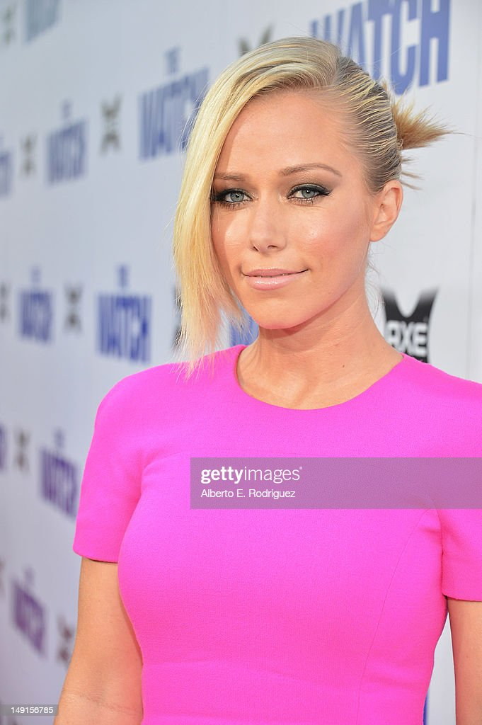 Kendra Wilkinson arrives at the premiere of Twentieth Century Fox's 'The Watch' at Grauman's Chinese Theatre on July 23, 2012 in Hollywood, California.