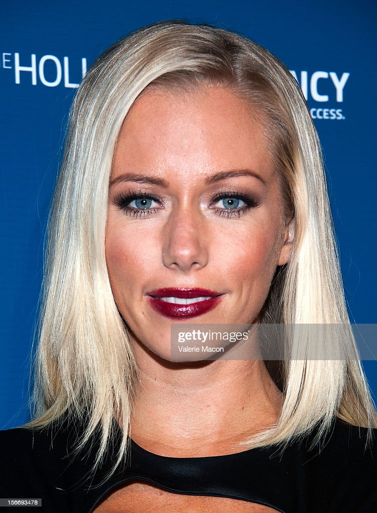 Kendra Wilkinson attends the US Weekly Music Party at AV Nightclub on November 18, 2012 in Hollywood, California.