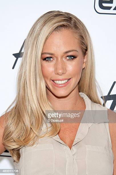 Kendra Wilkinson visits 'Extra' at their New York studios at HM in Times Square on August 7 2015 in New York City