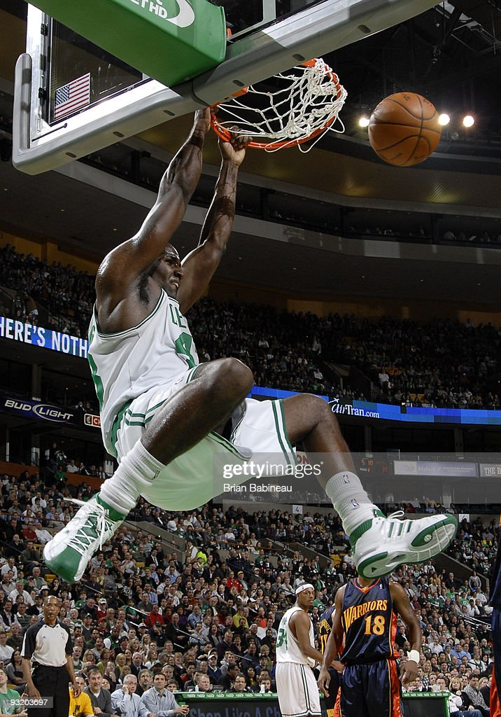 <a gi-track='captionPersonalityLinkClicked' href=/galleries/search?phrase=Kendrick+Perkins&family=editorial&specificpeople=211461 ng-click='$event.stopPropagation()'>Kendrick Perkins</a> #43 of the Boston Celtics dunks the ball during the game against the Golden State Warriors on November 18, 2009 at the TD Garden in Boston, Massachusetts.