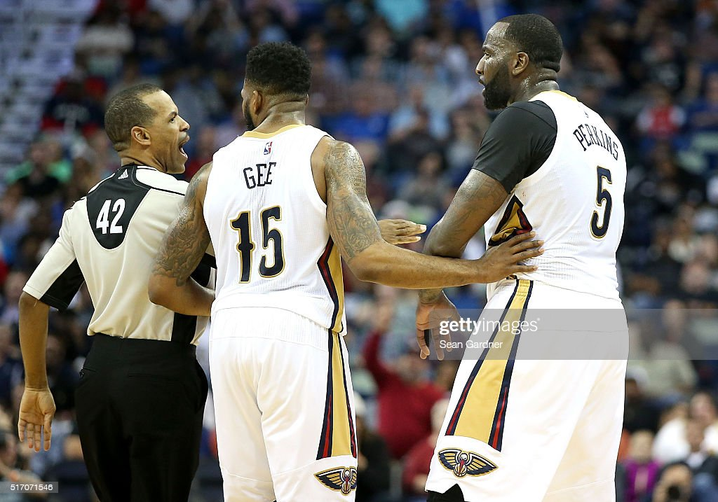 Kendrick Perkins of the New Orleans Pelicans argues a call with referee Eric Lewis during the second half at the Smoothie King Center on March 18...