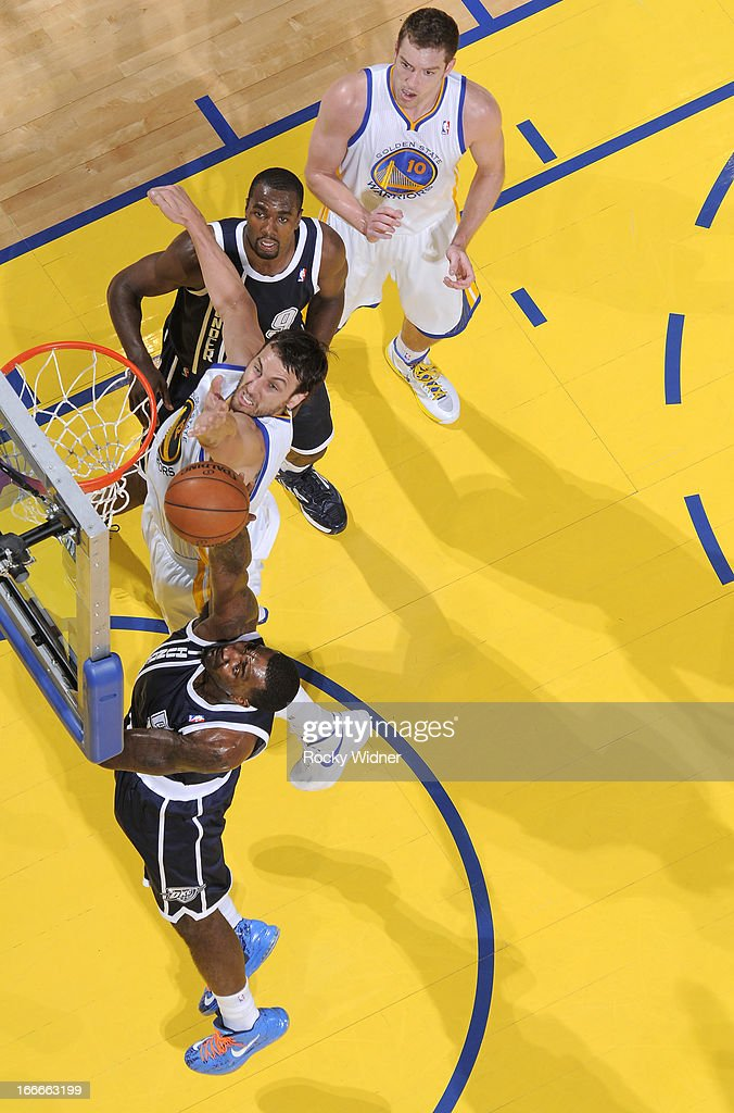 <a gi-track='captionPersonalityLinkClicked' href=/galleries/search?phrase=Kendrick+Perkins&family=editorial&specificpeople=211461 ng-click='$event.stopPropagation()'>Kendrick Perkins</a> #5 of the Oklahoma City Thunder rebounds against <a gi-track='captionPersonalityLinkClicked' href=/galleries/search?phrase=Andrew+Bogut&family=editorial&specificpeople=207105 ng-click='$event.stopPropagation()'>Andrew Bogut</a> #12 of the Golden State Warriors on April 11, 2013 at Oracle Arena in Oakland, California.