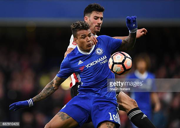 Kenedy of Chelsea controlls the ball during the Emirates FA Cup Fourth Round match between Chelsea and Brentford at Stamford Bridge on January 28...