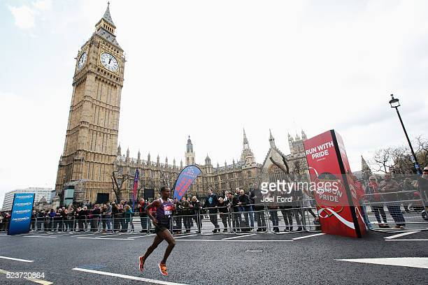 Kenenisa Bekele of Ethiopia passes Big Ben during the 2016 Virgin Money London Marathon on April 24 2016 in in London England