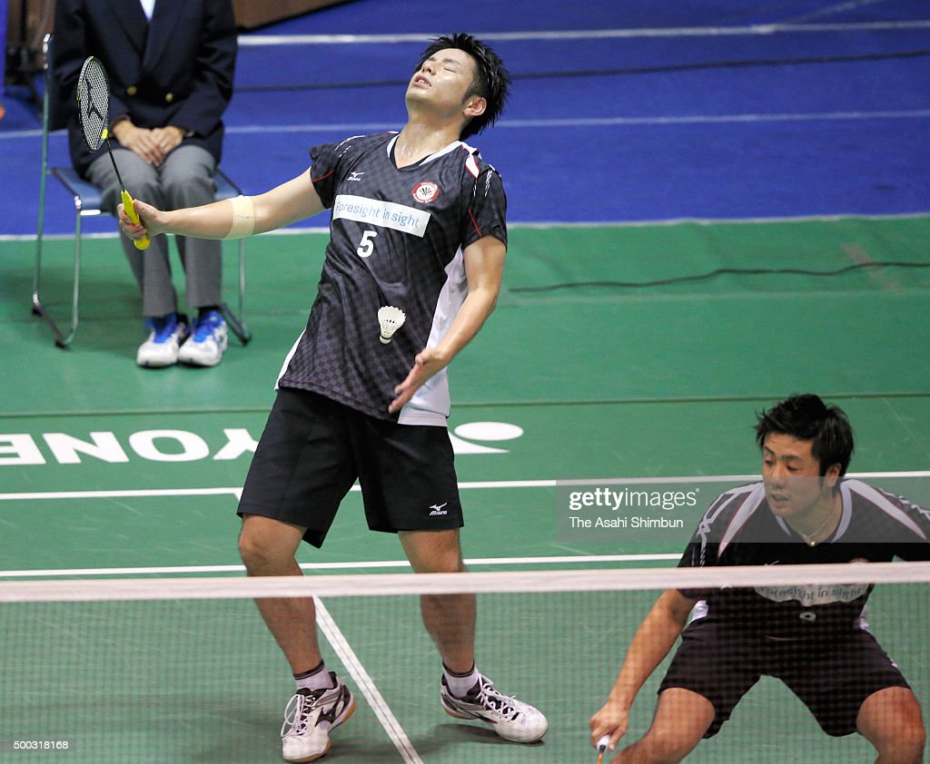 <a gi-track='captionPersonalityLinkClicked' href=/galleries/search?phrase=Kenichi+Hayakawa&family=editorial&specificpeople=5851276 ng-click='$event.stopPropagation()'>Kenichi Hayakawa</a> (L) and <a gi-track='captionPersonalityLinkClicked' href=/galleries/search?phrase=Hiroyuki+Endo&family=editorial&specificpeople=5530229 ng-click='$event.stopPropagation()'>Hiroyuki Endo</a> (R) compete in the Men's Doubles semi final during day five of the All Japan Badminton Championships at Yoyogi National Gymnasium on December 5, 2015 in Tokyo, Japan.