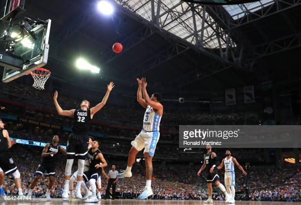 Kennedy Meeks of the North Carolina Tar Heels shoots against Zach Collins of the Gonzaga Bulldogs in the first half during the 2017 NCAA Men's Final...