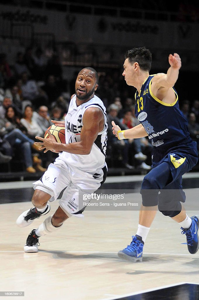 Kenneth Hasbrouck of SAIE3 competes with Fabio Di Bella of Sutor during the LegaBasket Serie A match between Virtus Bologna SAIE3 and Sutor Montegranaro at Unipol Arena on February 3, 2013 in Bologna, Italy.