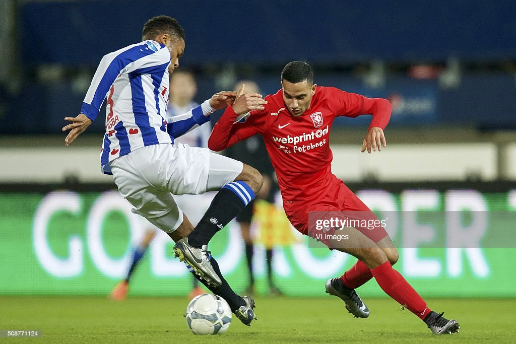 Kenneth Otigba of sc Heerenveen, Zakaria El Azzouzi of FC Twente during the Dutch Eredivisie match between sc Heerenveen and FC Twente at Abe Lenstra Stadium on February 06, 2016 in Heerenveen, The Netherlands