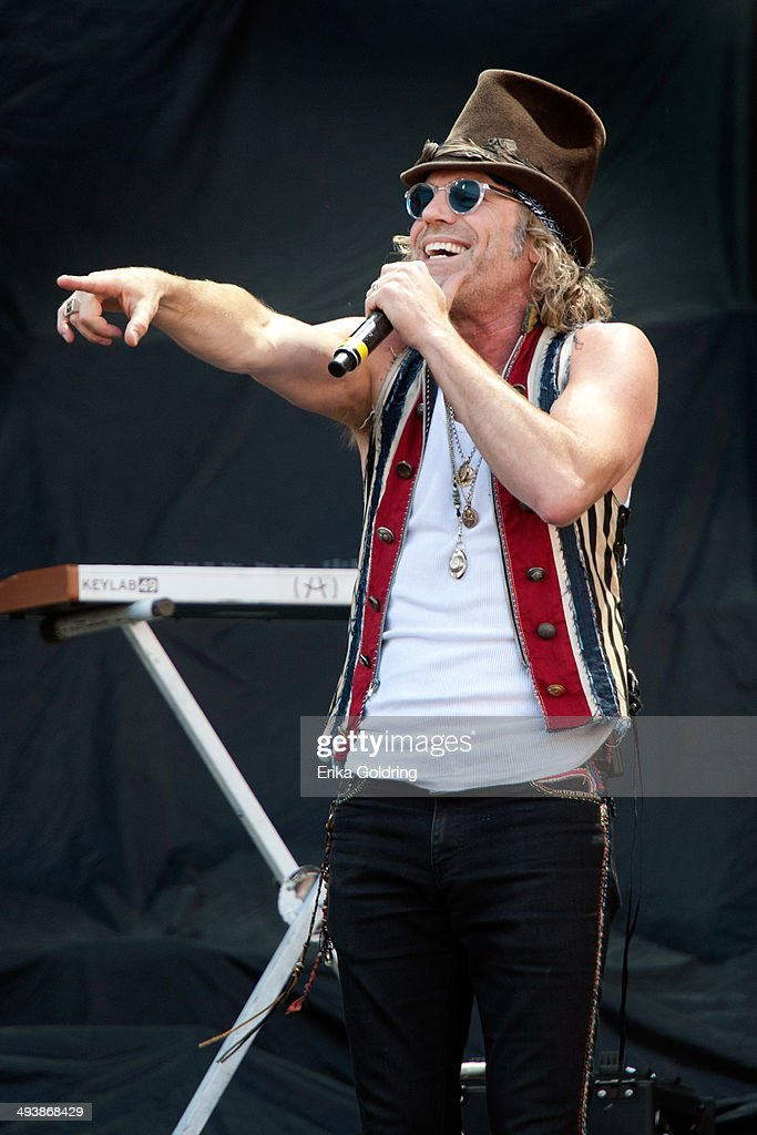 Kenny Alphin aka Big Kenny of Big & Rich performs during 2014 Bayou Country Superfest at LSU Tiger Stadium on May 25, 2014 in Baton Rouge, Louisiana.