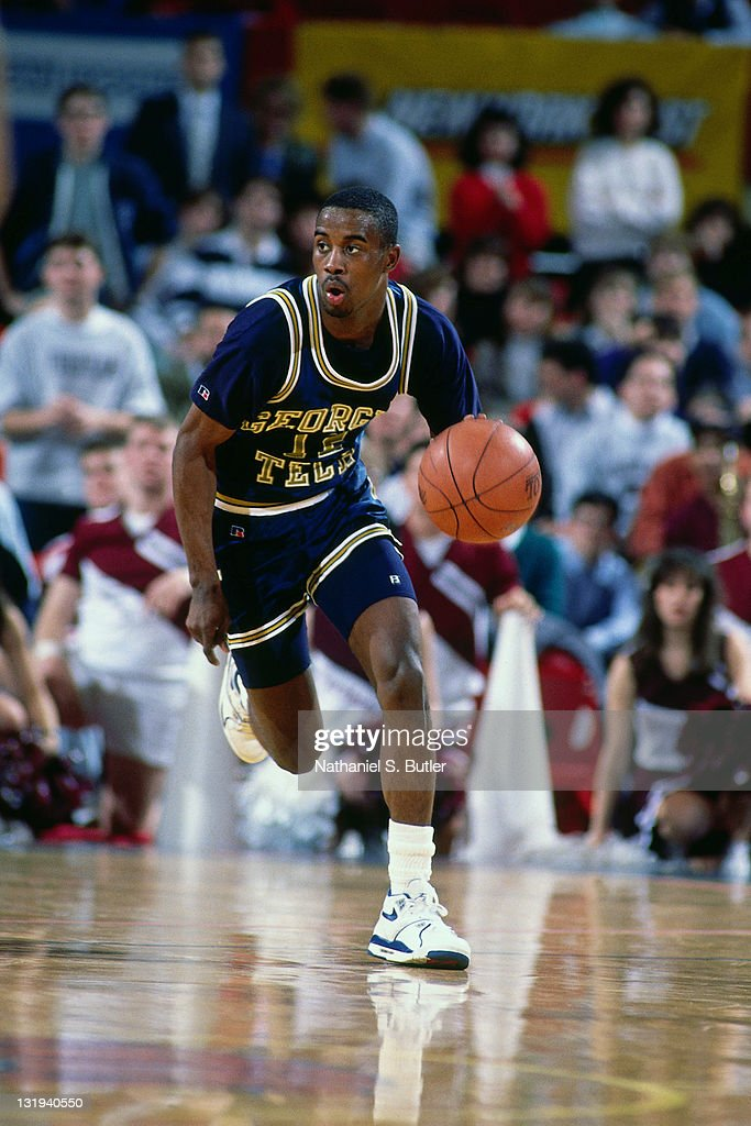 Kenny Anderson #12 of the Georgia Tech Yellow Jackets dribbles during a game played at Madison Square Garden in New York City circa 1989.